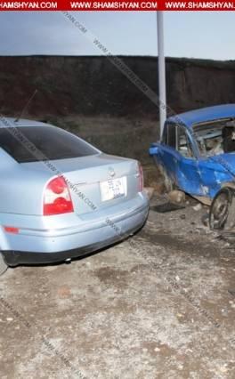 Խոշոր ավտովթար Նուբարաշենի աղբանոցի մոտ. բախվել են Volkswagen Passat-ը, ԿԱՄԱԶ-ն ու առանց համարանիշների 06-ը. կա վիրավոր