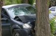 Երեւանում «Lada Granta»-ն բախվել է ծառին. կան վիրավորներ