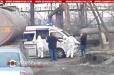 Երևանում շտապօգնության աշխատակիցներն իրանական համարանիշներով բեռնատարից իջեցնում են վարորդին և դիմակ հագցնելով՝ հավանաբար տեղափոխում հիվանդանոց