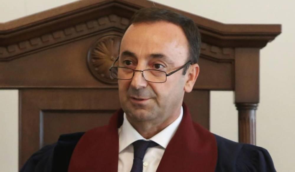 Пашинян: Грайр Товмасян предлагал мне услуги и был послан в соответствующее место