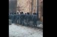 Մեծաթիվ ոստիկաններ այս պահին կենտրոնացվում են կառավարության շենքի մոտ