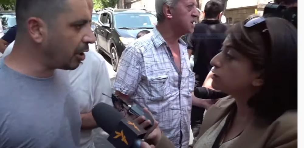 Տեսանյութ.«Հեռացեք Սյունիքից, արա». Փաշինյանի աջակիցները հարձակվեցին լրագրողների վրա