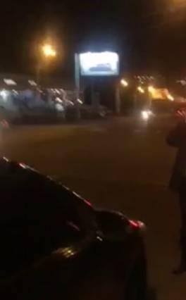Զինված ոստիկանները Երևանում կանգնեցրել են Վիտալի Բալասանյանի ավտոմեքենան .տեսանյութ