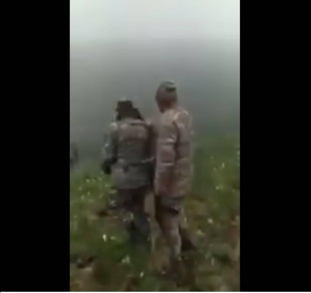 Տեսանյութ.Թշնամին Գեղարքունիքի հատվածում անարգում ու փորձում է հետ մղել հայ սահմանապահներին՝ պահանջելով զենքերը (18+)