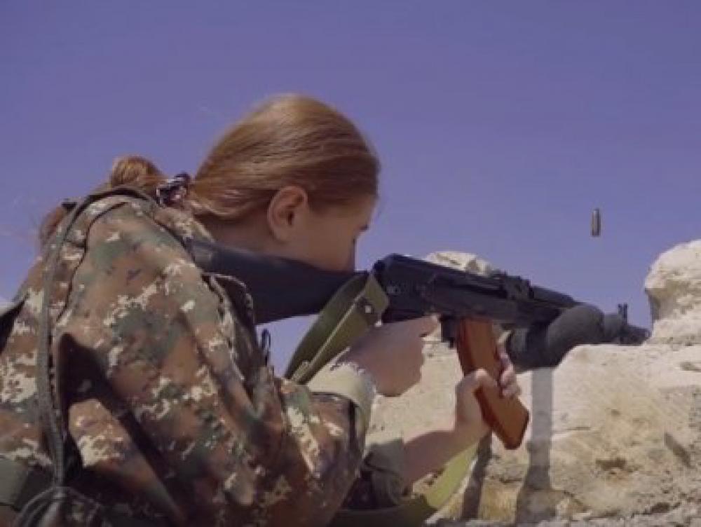 Տեսանյութ՝ Աննա Հակոբյանի նախաձեռնությամբ կանանց մարտական և կրակային պատրաստության դասընթացներից